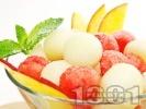 Рецепта Плодова салата от диня и пъпеш с джинджифилов сироп